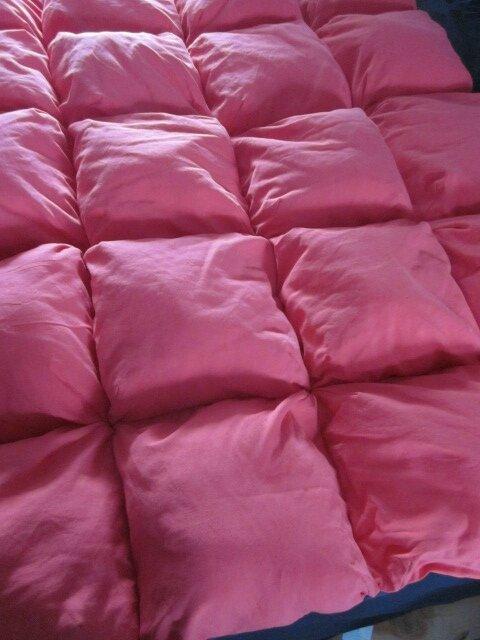 Edredon 20 coussins en drap ancien teinté rouge corail - doublure coton gris anthracite (3)