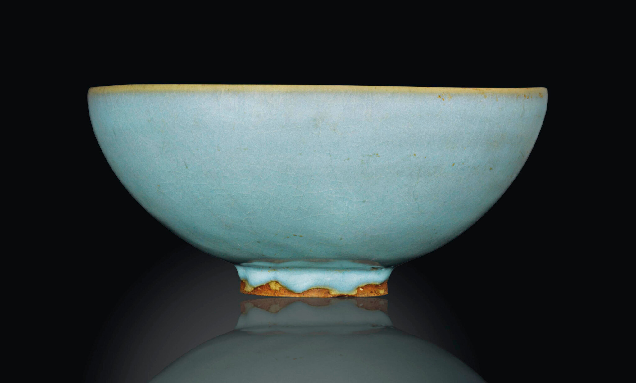 A large Jun-ware bowl, Song dynasty, 12th-13th century