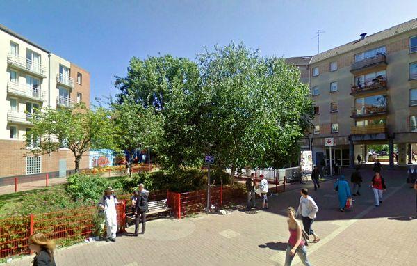 Square Denis Cacheux