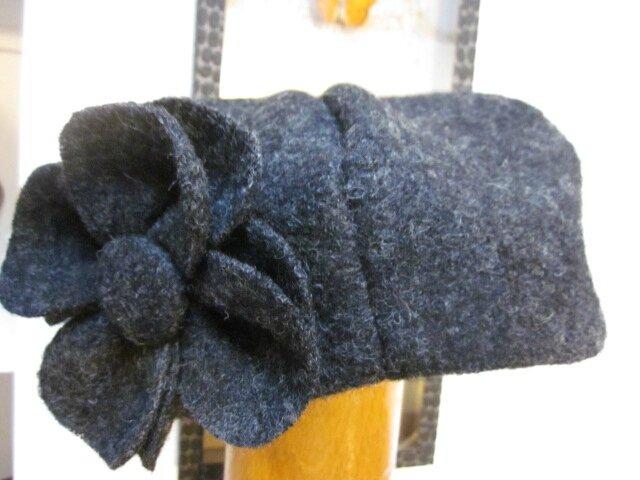 Chapeau AGATHE en laine bouillie gris anthracite avec fleur - doublé de coton beige à fleurettes grises (6)