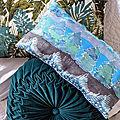 Coussin Noël peint sur soie -création Marimerveille
