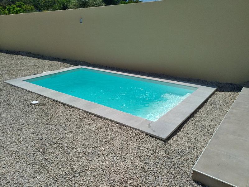 Special-mini-piscine-mois-de-10m2-pour-les-petit-terrain
