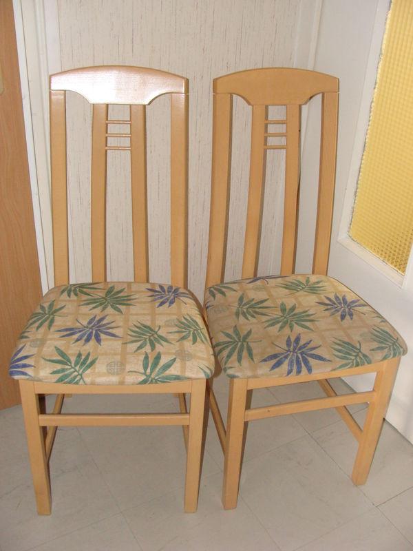 Changement de tissu pour mes chaises mes passions d 39 ici ou d 39 ailleurs - Recouvrir chaise tissu ...