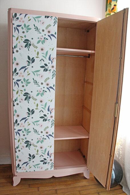 armoire-ancienne-floral-ouverte