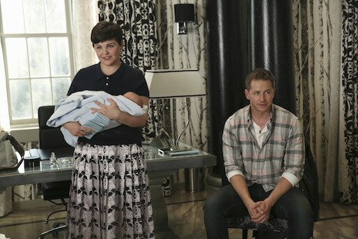 once-upon-a-time-saison-4-scene-coupee-4x02-et-photos-4x03-mary-margaret-david-bebe-neal
