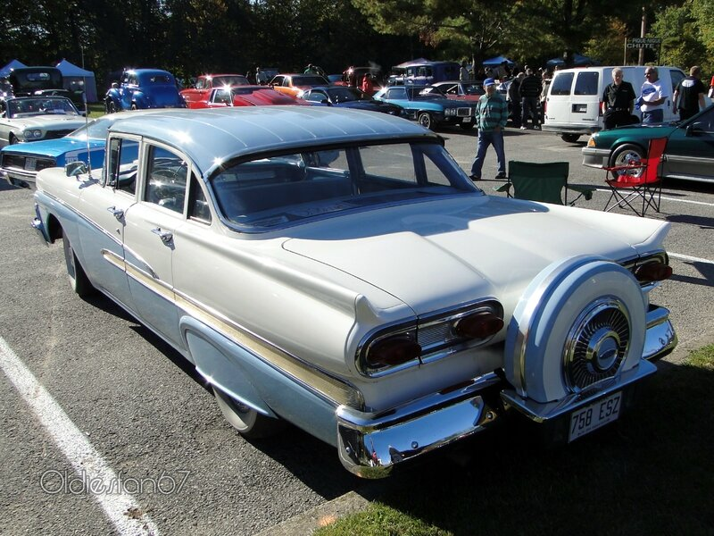 ford-custom-300-sedan-continental-kit-1958-b