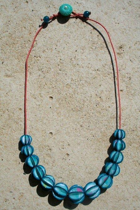 Collier perles de papier Bleu et Rose A PLAT