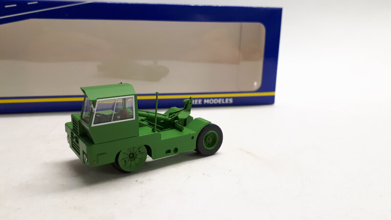 #CB-062-Tracteur Kangourou (1)