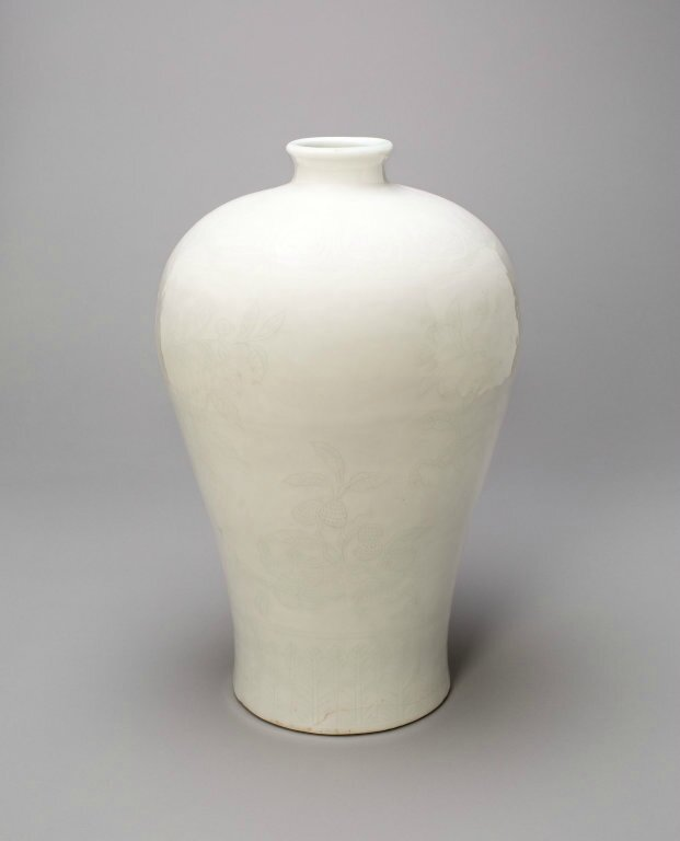 Vase (Meiping) with Peach, Pomegranate, Peapod, and Lychee, Ming dynasty (1368-1644), Yongle period (1403-1424)
