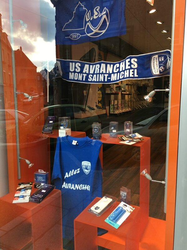 Coupe de France football Avranches 2017 ville commerce vitrine