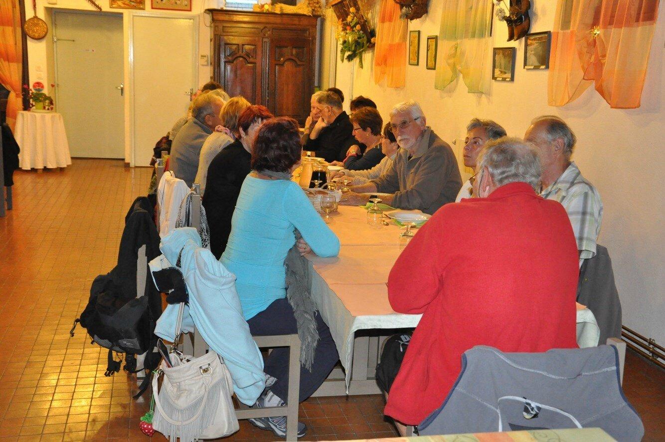 17 Premier repas chez Régine (3)