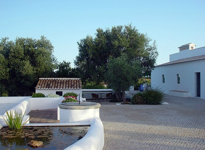 modern_vacation_rentals_algarve_portugal_001