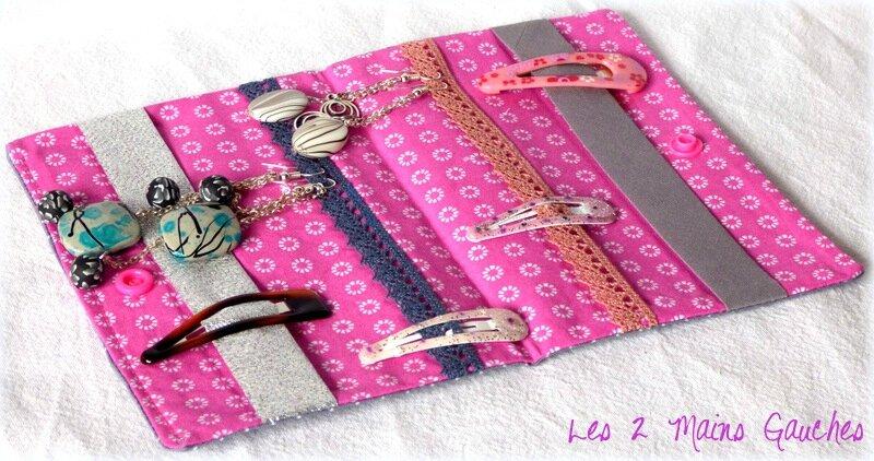 intérieur rose pochette à barrettes avec chats