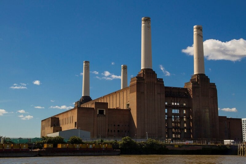1200px-Battersea_Power_Station_from_the_river