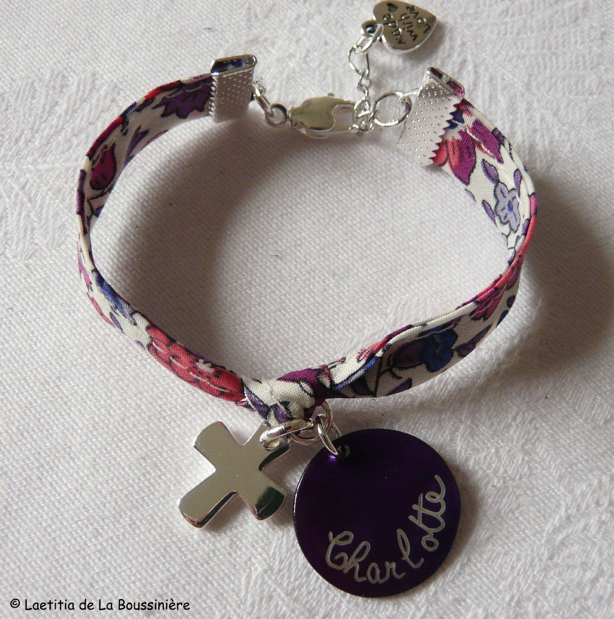 Bracelet sur ruban Croix 16 mm en argent massif et médaille en nacre personnalisée (sur ruban d'Anjo violet)