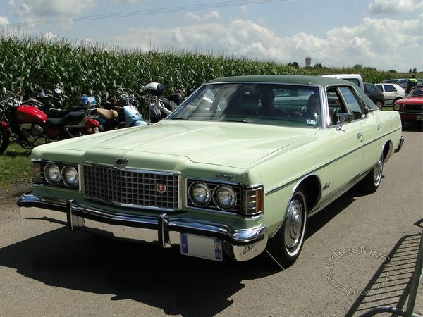 mercury monterey custom 4door sedan 1973 3