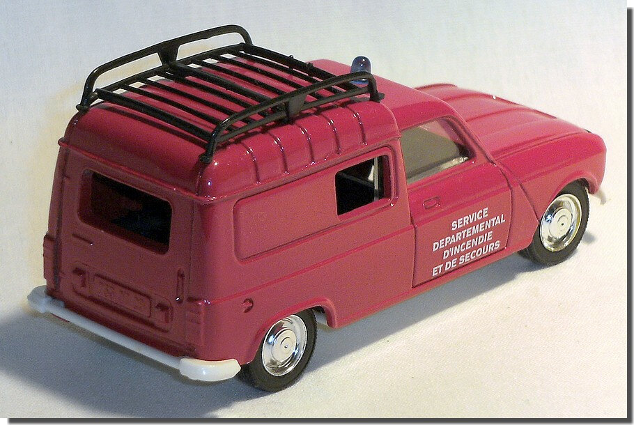 08 Renault 4 fourgon Pompiers Solido A 2