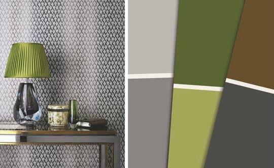 table-d-entree-avec-lampe-verte-et-papier-peint-motif-gris_5013593