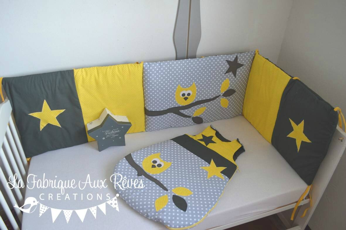 tour lit et gigoteuse hibou toiles jaune et gris gigoteuse et tour de lit b b d coration. Black Bedroom Furniture Sets. Home Design Ideas