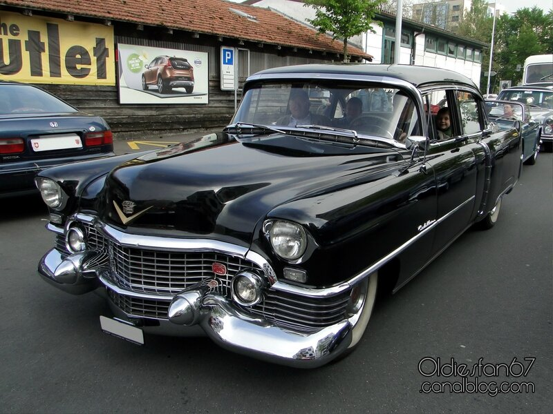 cadillac-sedan-1954-01