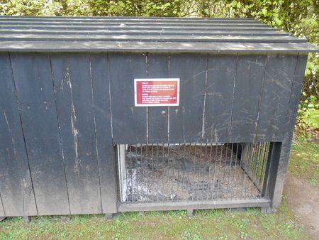 Cages pour les chiens de la tannerie