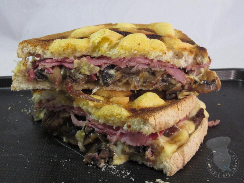 Croque-monsieur oignons doux, champignons, jambon
