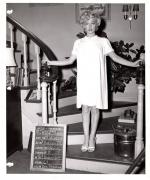 1954-10-26-test_costume-TSYI-mm-01-1