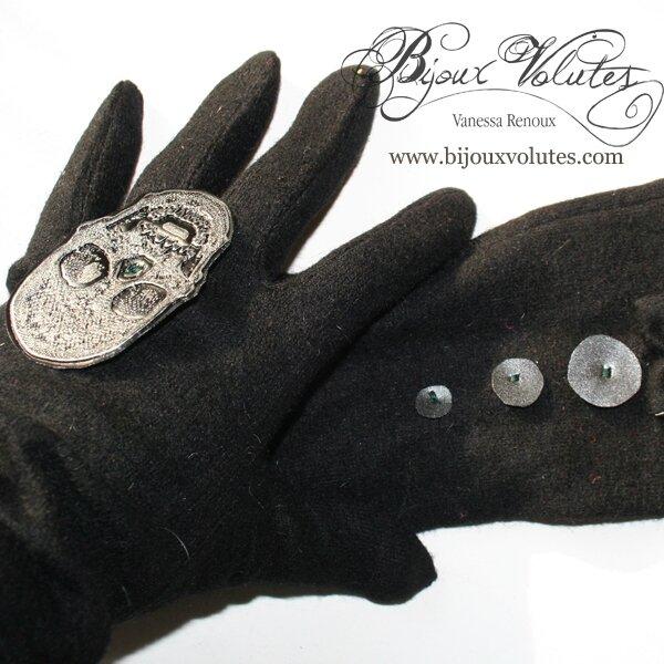 gants-noirs-tete2