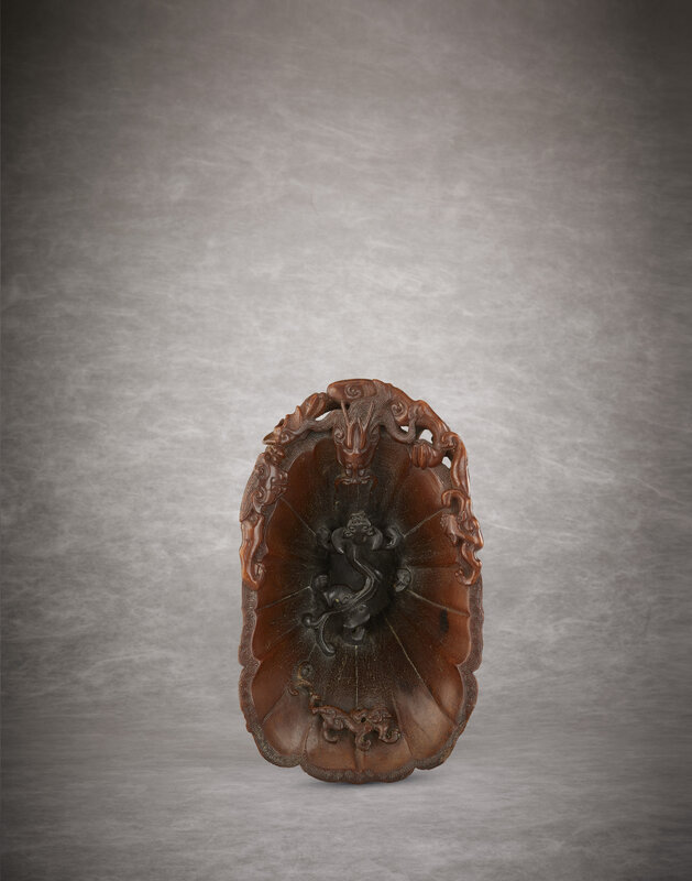 2011_HGK_02893_2910_002(a_rare_and_superbly_carved_rhinoceros_horn_libation_cup_late_ming_earl)