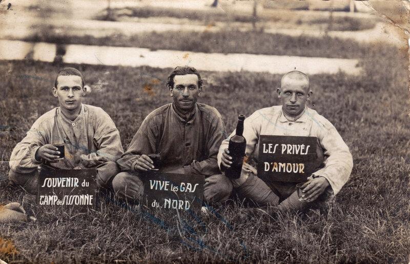 Léon Delfosse au service militaire à Sissonne en 1930 B photo drôle