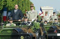 Le_pr_sident_de_la_R_publique__chef_des_arm_es