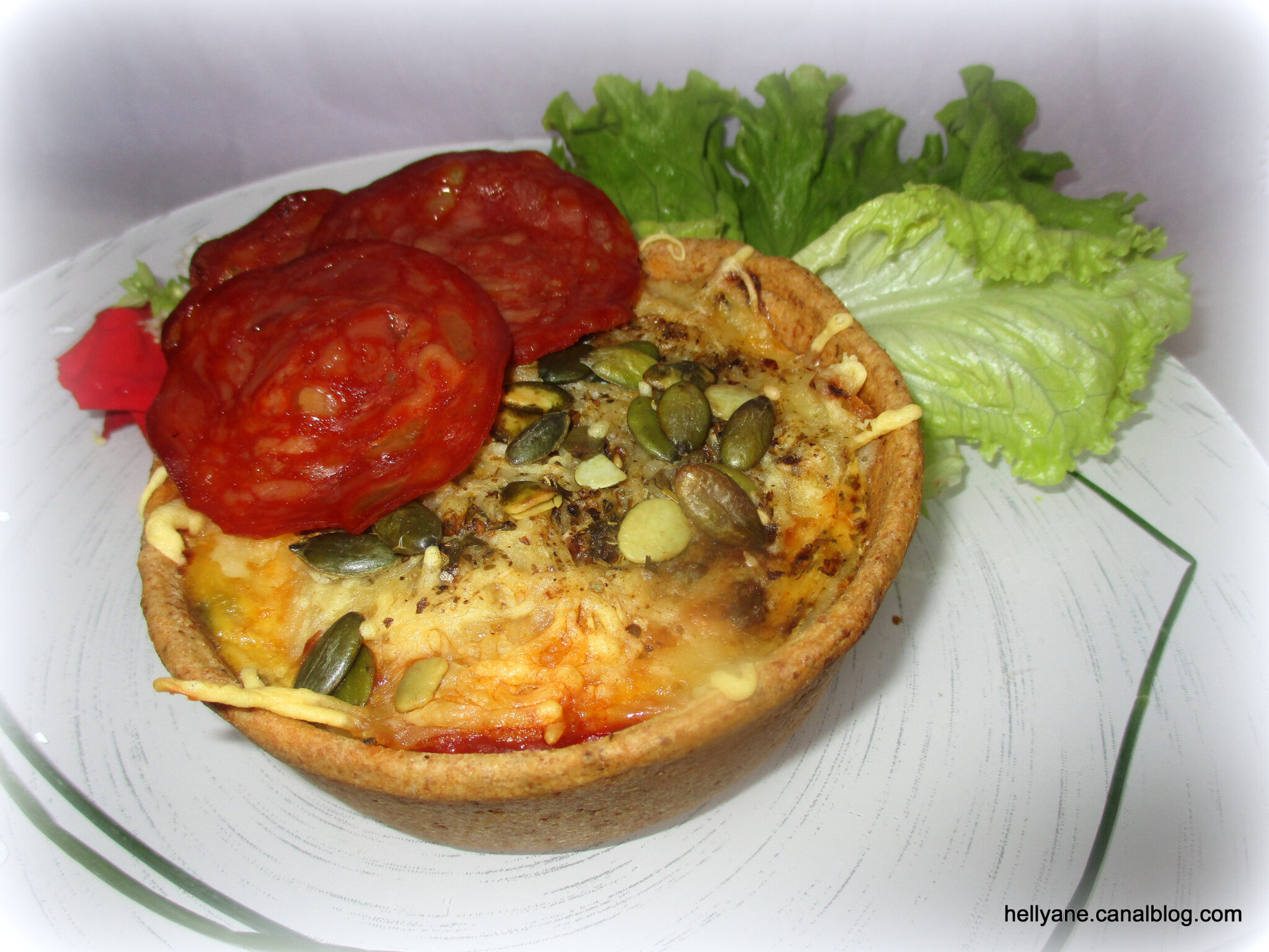 "Tartelettes garnies "" ratatouille/ chorizo/ emmental/graines de courge"