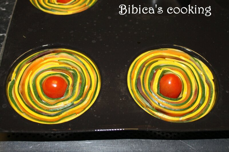 Clafoutis spirale courgettes-carottes gros plan avant cuisson