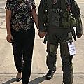 Ayelet shaked félicite son mari après la fin de son sa carrière de pilote de tsahal