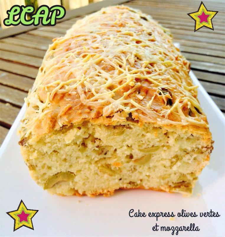 cake express aux olives vertes et mozzarella- la cuisine d'anna purple (2)