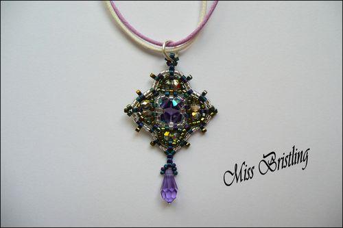 Pendentif baroque violet vert