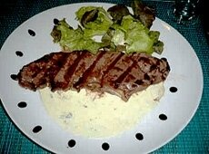 filet-de-boeuf-grille-sauce-roquefort