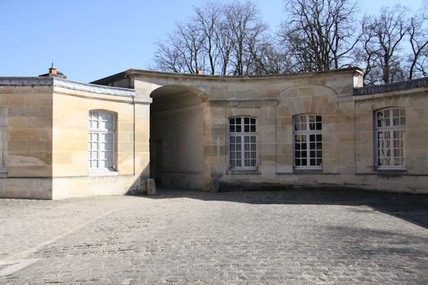 012-Cour des Offices