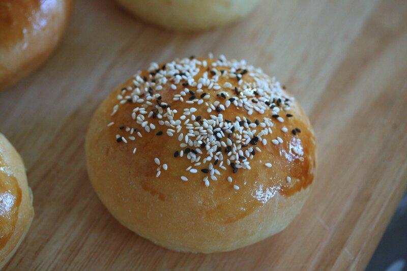 bun pour hamburger chez requia cuisine et confidences