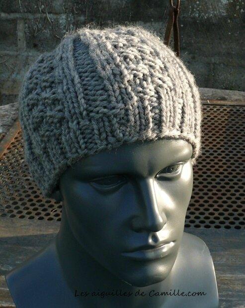 60 mailles et deux modèles de bonnets tout simples! - Tricote pas tout! 53c10bcb504