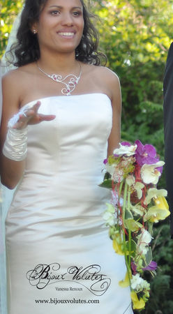 grand-collier_mariage_Paola_bouquet