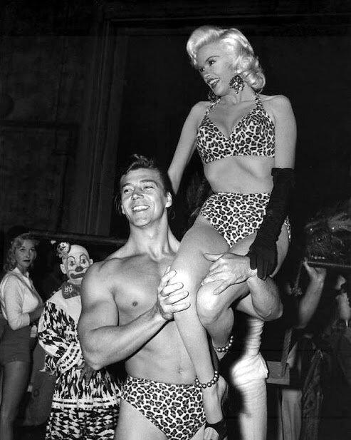 jayne_bikini_leopard-1956-10-with_mickey-in_leopard-3-6