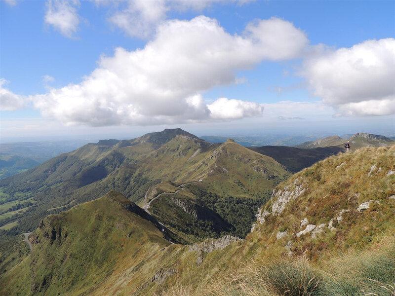 Volcans du Cantal depuis le Puy Mary