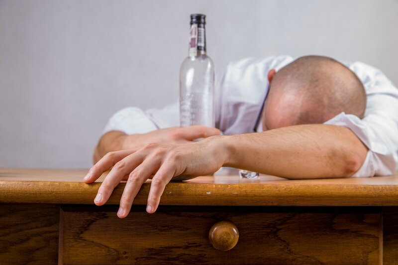 alcohol-hangover-event-death-52507
