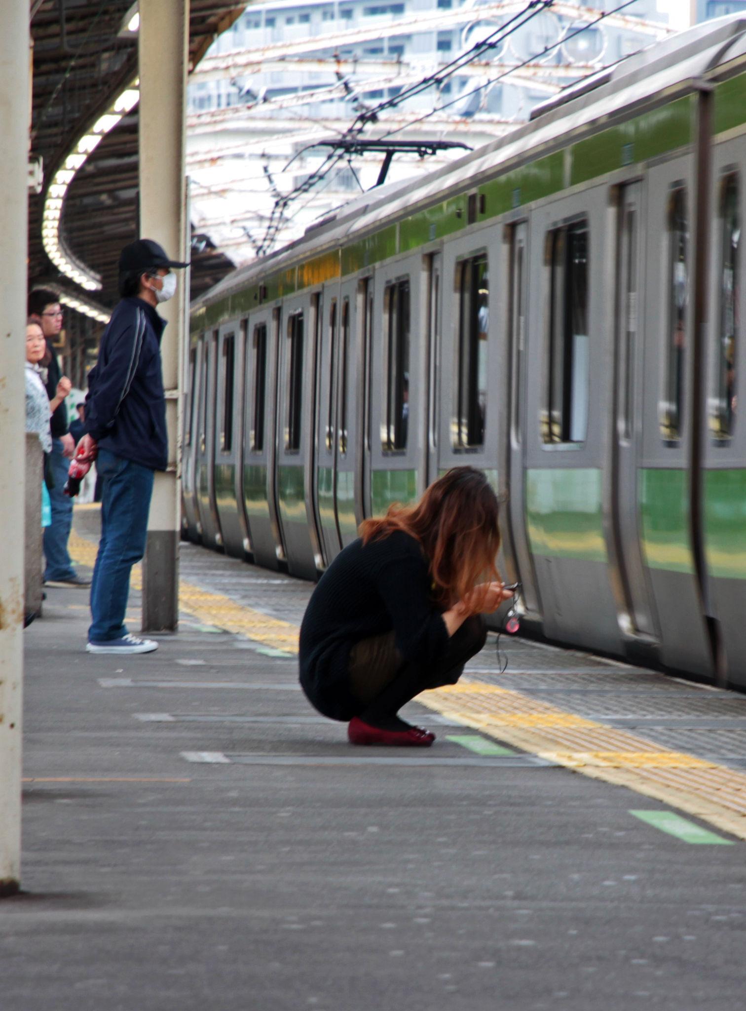 Yamanote Girl, Uguisudani eki