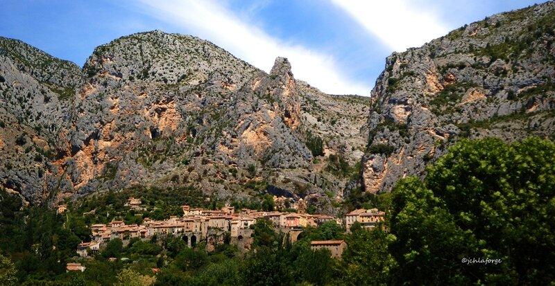 MOUSTIERS_Alpes_Hte_Provence__1_