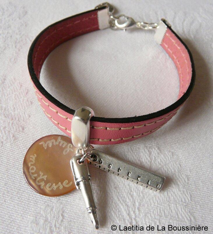 Bracelet de maîtresse sur cuir (rose)