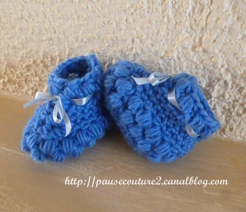 Chaussons boules bleus (3)