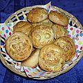 Petits pains aux olives et fromage kiri