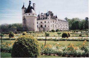 ch_teau_chenonceau_vue_du_jardin_de_catherine_de_m_dicis_26